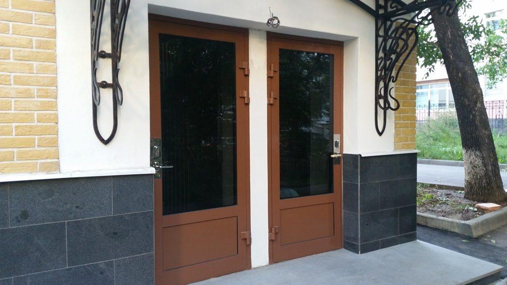 Алюмодеревянные двери